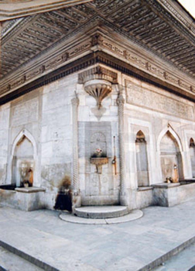 ÜSKÜDAR III. AHMET ÇEŞMESİ RESTORASYON ÖNCESİ DETAY