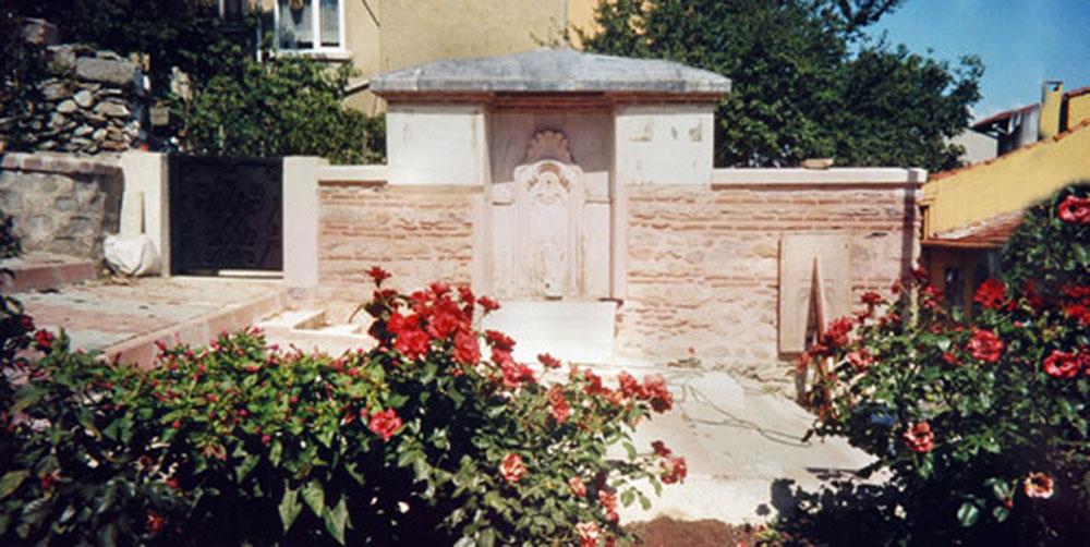 Üsküdar Eski Dibek Sokak Çeşmesi /  Uskudar Old Dibek Street  Fountain