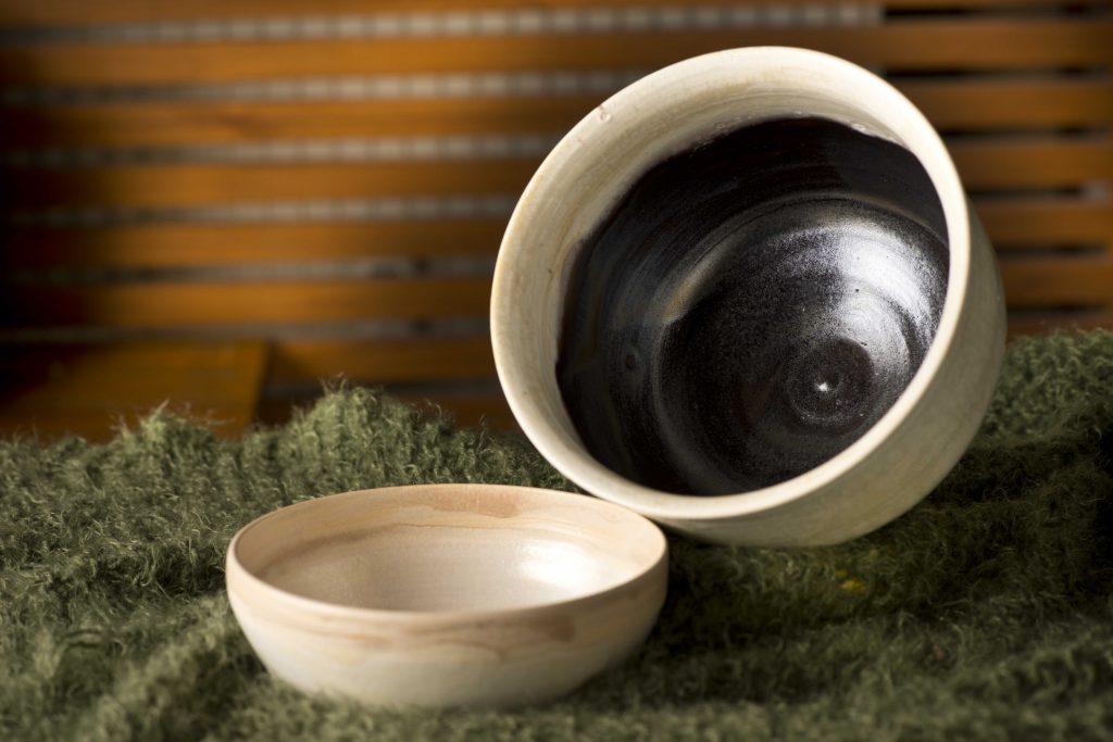Siyah Beyaz çanaklar / Black white potteries