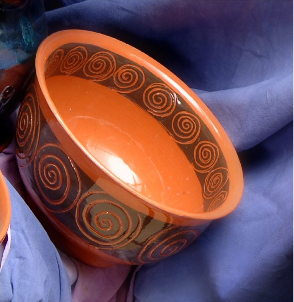 Helezon dekorlu çanak / Spiral decorated pottery handmade