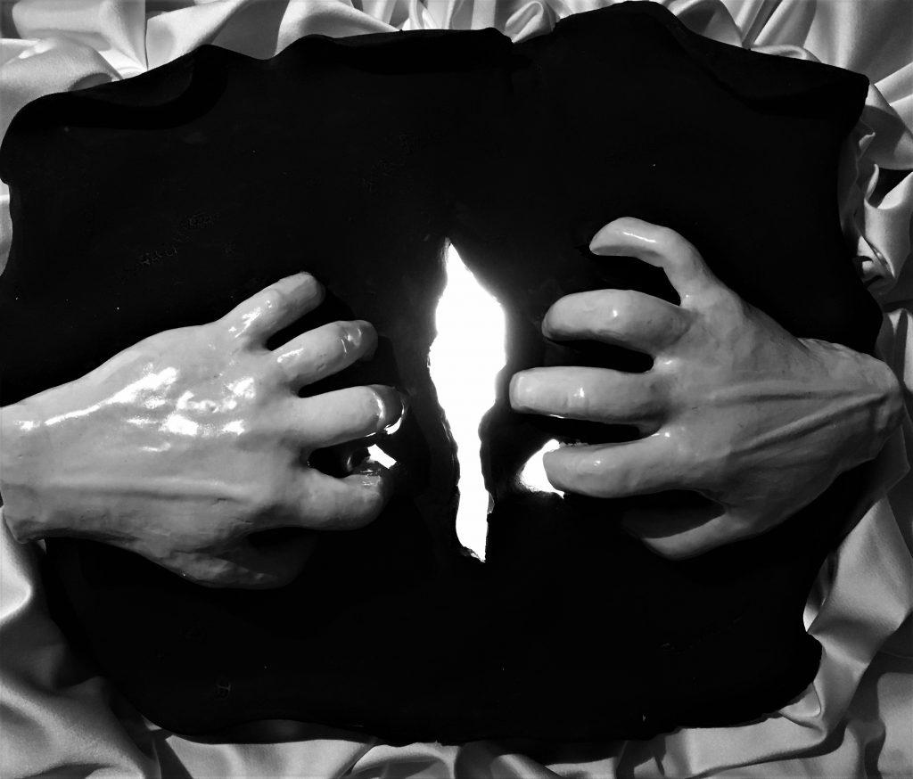 Yırt Karanlığı / Rıp Darkness Apart